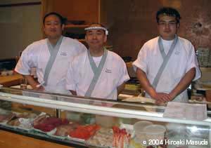 最後の晩餐において、左から、Aokiさん、Toshiさん、Yamasakiさん